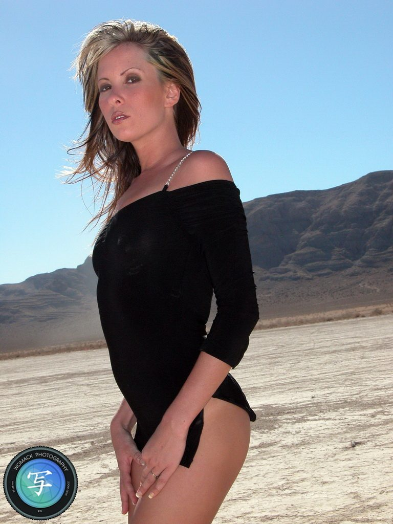 Jasmine M at Dry Lake Bed