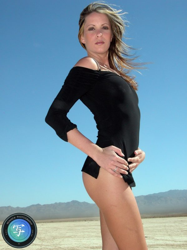Jasmine M at Dry Lake Bed